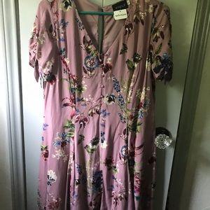BRAND NEW APRICOT LANE floral dress